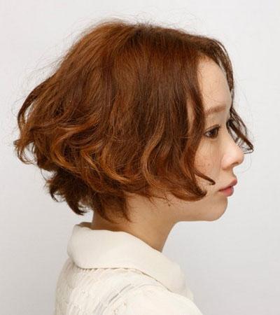 中分短发荷叶头-最新短发大集合 看看你的脸型适合哪款图片