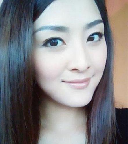港姐张名雅素颜照曝光被赞仙女夺