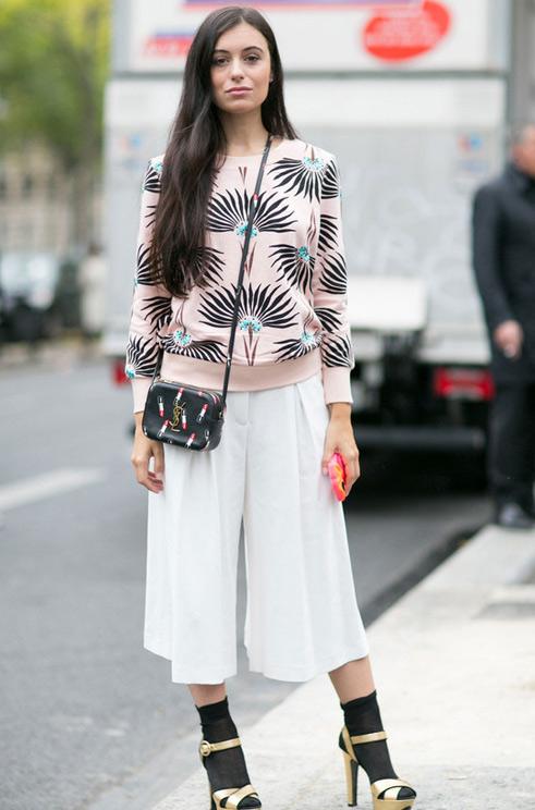巴黎时装周街拍 看潮人秀场外斗艳拼衣品
