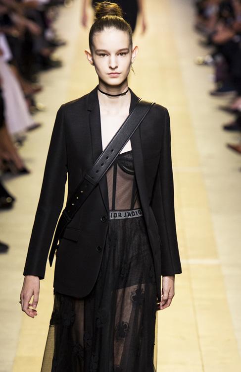 换帅后的Dior为满足你的购物欲出大招