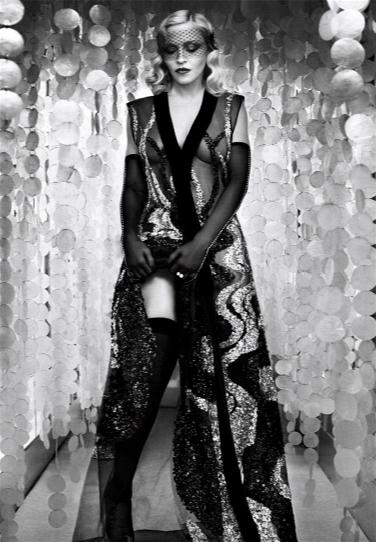 麦当娜为《时尚芭莎》拍摄封面大片