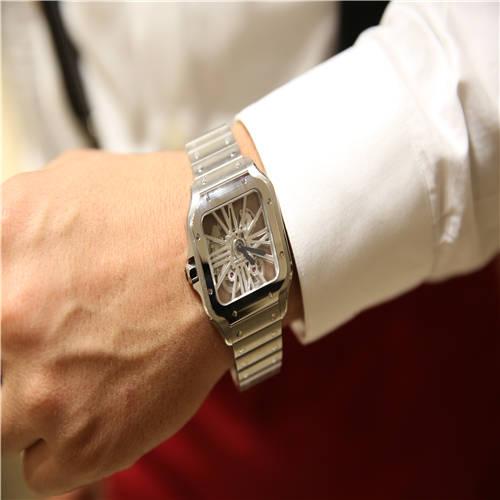 卡地亚 Santos de Cartier系列镂空腕表