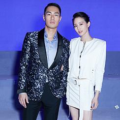 杨�v宁和张钧甯在纽约