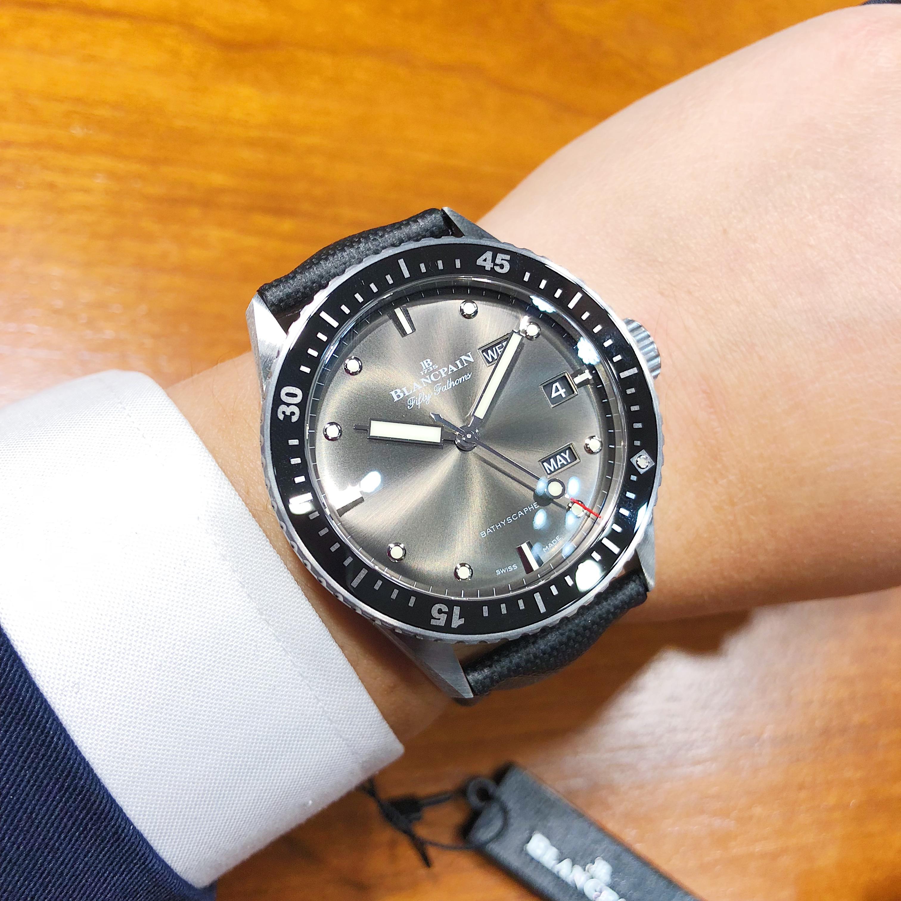 宝珀五十�x系列深潜器Bathyscaphe年历腕表