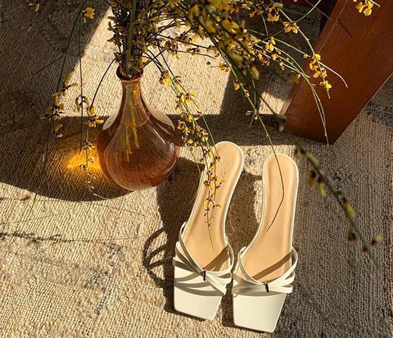 今年夏天最火的凉鞋,是它!
