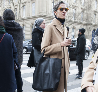 OL时尚博主强势席卷秋冬巴黎时装周街头