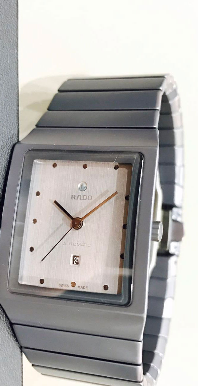 雷达Ceramica整体陶瓷系列腕表