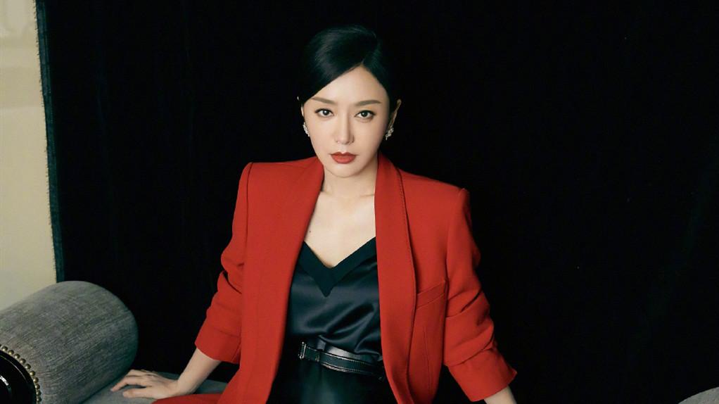 """38岁的秦岚承认自己靠医美""""吃饭""""?"""