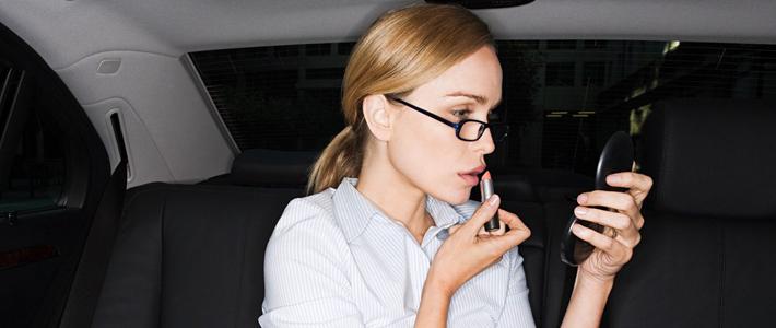 如果上班时只能用一种化妆品,你会用?